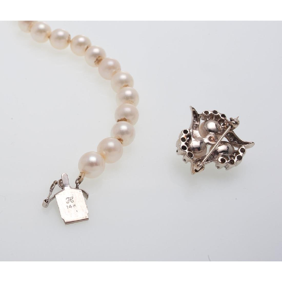 14 Karat White Gold Pearl Necklace and Brooch - 6