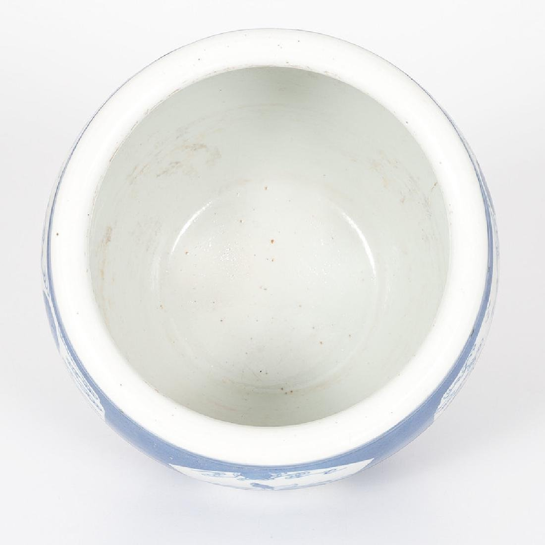 Chinese Porcelain Blue and White Jardiniere - 5