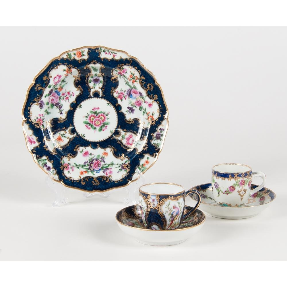 Worcester Porcelain Dishes, Including Dr. Wall Period