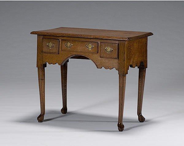 17: English Queen Anne Dressing Table in Oak,