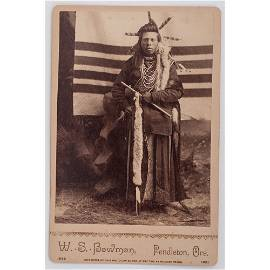 [PHOTOGRAPHY - NATIVE AMERICAN]. Cabinet Card of Nez