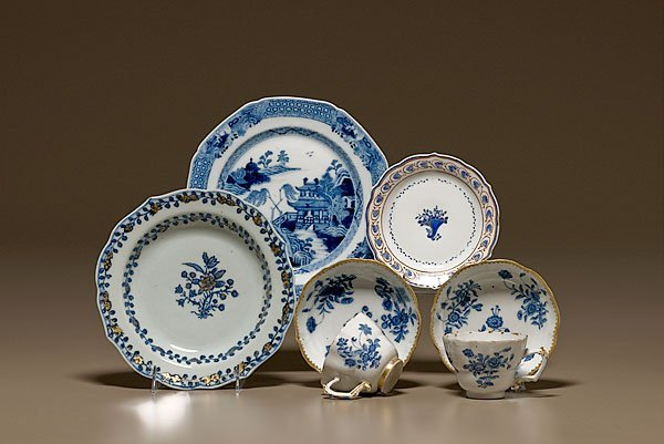 390: Chinese Export Blue & White Tablewares,