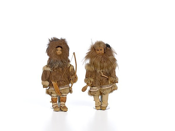 4: Pair of Eskimo Dolls