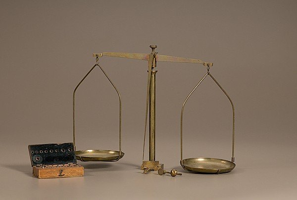 32: Brass Balance Scale with Weights