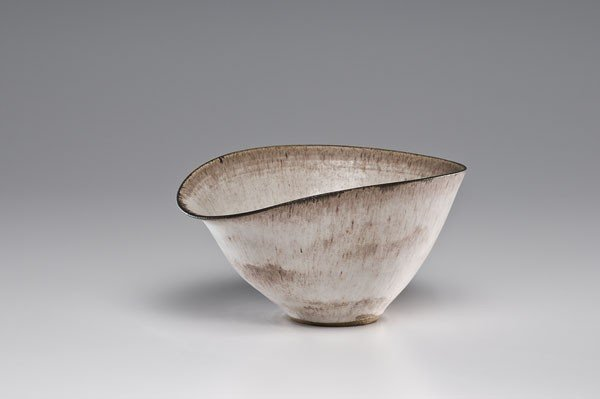 17: Lucie Rie, Spouted Vessel in Stoneware
