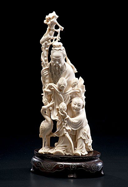 1011: Chinese Carved Ivory Figure of Elder