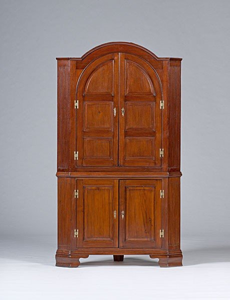19: Pennsylvania Corner Cupboard
