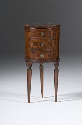 Continental Commode Stand�