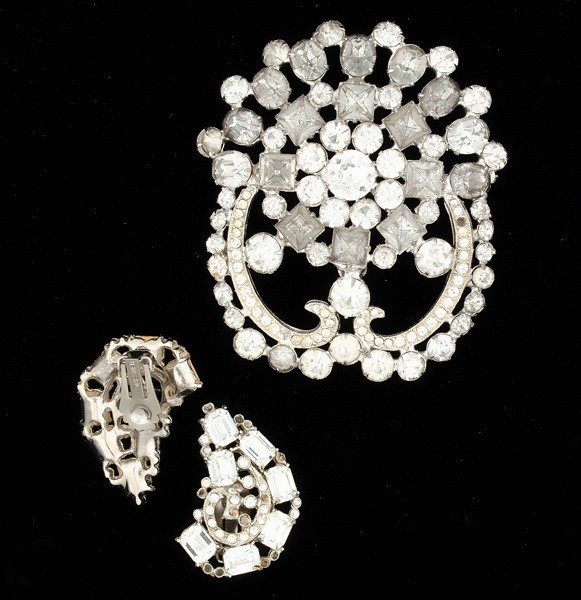 18: Weiss Costume Jewelry Collection