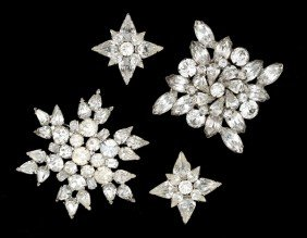 22: Weiss Costume Jewelry Brooch Collection