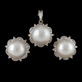 18: Diamond and Pearl Earring and Pendant Collection