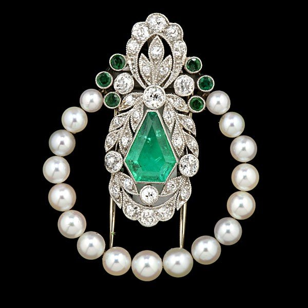 82: Emerald and Diamond Fur Clip