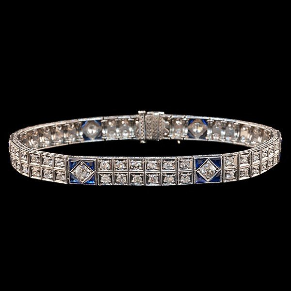 92: Platinum Art Deco Diamond and Sapphire Bracelet