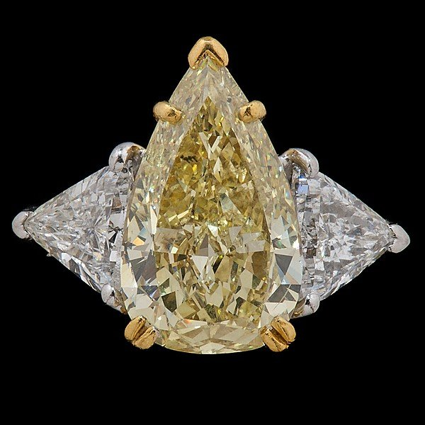 171: 5.05cts. Natural Fancy Yellow Pear Shape Diamond