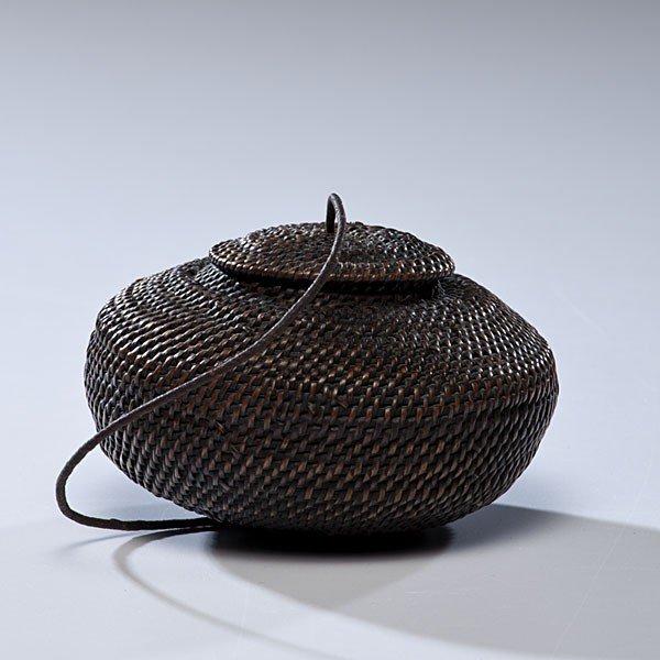 16: Eskimo Lidded Basket