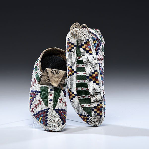 132: Sioux Fully Beaded Hide Moccasins