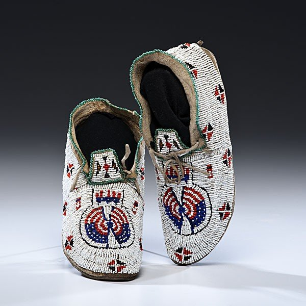 139: Sioux Beaded Hide Moccasins