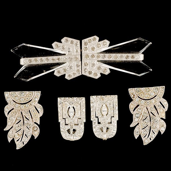 21: Unsigned Art Deco Dress Clip Set
