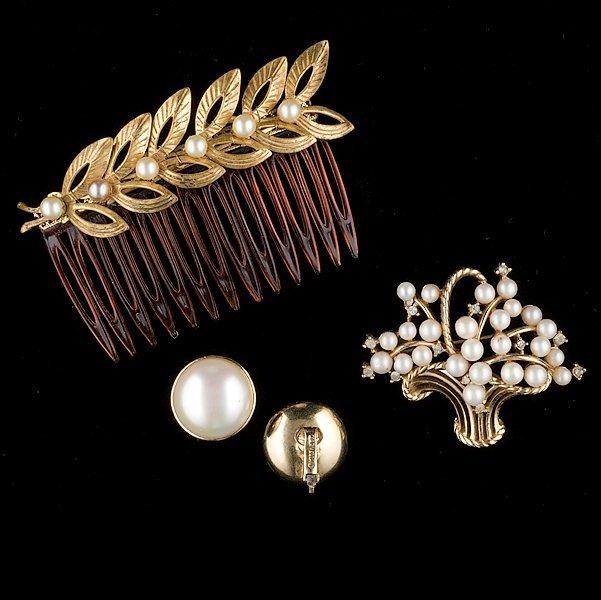 23: Faux Pearl hair comb, Trifari Brooch and Marvella E