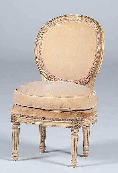 2: Slipper Chair