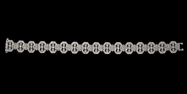 15: 18k Art Deco-Style Diamond Bracelet