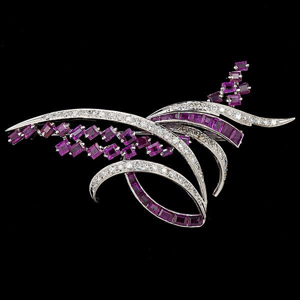 19: Platinum, Diamond and Pink Sapphire Brooch