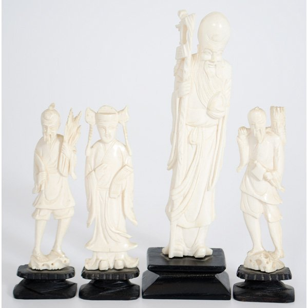 19: Chinese Carved Ivory Figures