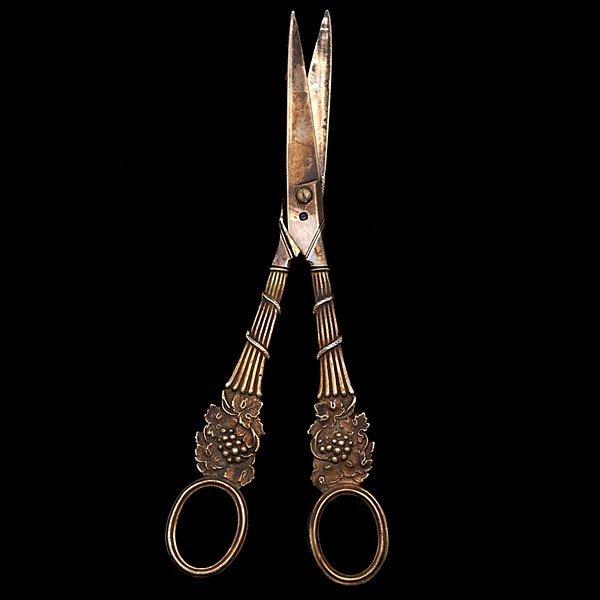 13: George III Sterling Grape Scissors