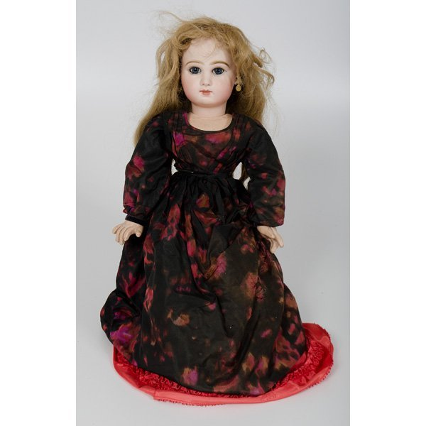 19: Tete Jumeau Bisque Doll