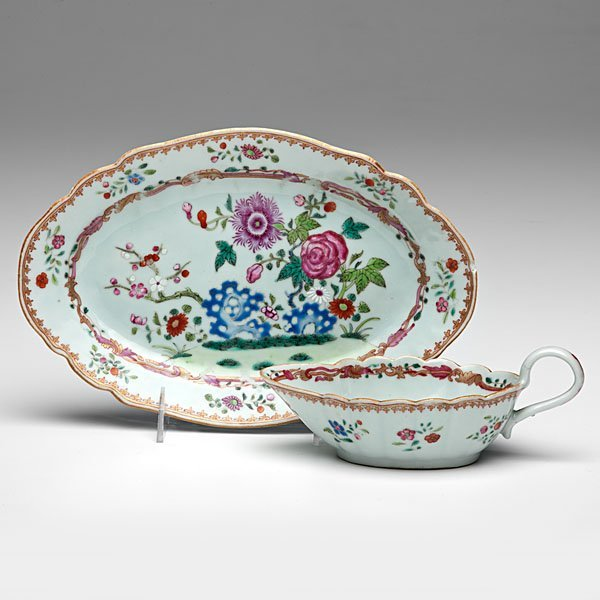 Chinese Export Famille Rose Sauceboat and Dish