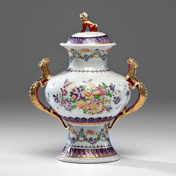 Chinese Export Famille Rose Covered Urn