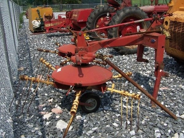 23: New Holland 254 Hay Tedder Rake for Tractor  - 5