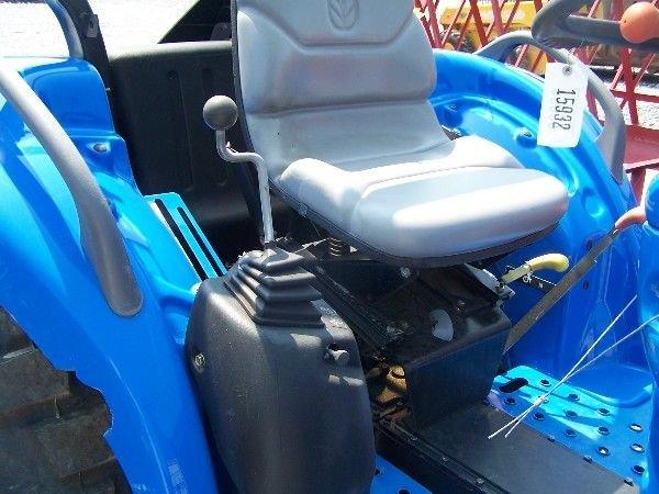 68: New Holland TC-40-A Compact tractor w/ 16 LA Loader - 10