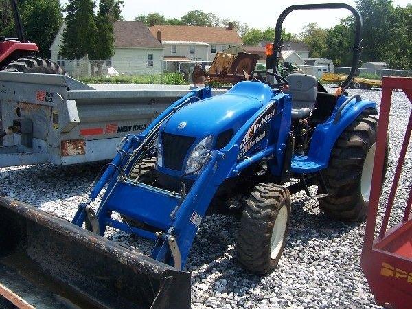 68: New Holland TC-40-A Compact tractor w/ 16 LA Loader