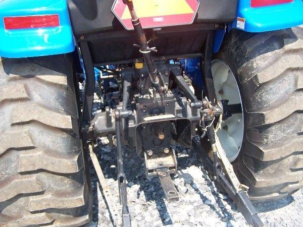 68: New Holland TC-40-A Compact tractor w/ 16 LA Loader - 6