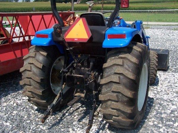 68: New Holland TC-40-A Compact tractor w/ 16 LA Loader - 7