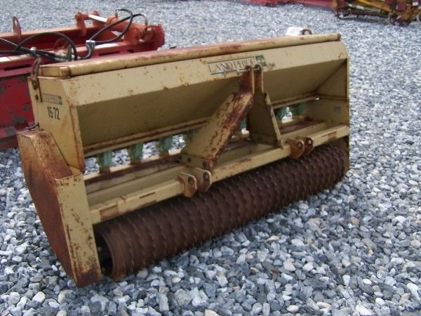 1070: NICE LANDPRIDE 15-72 3PT PACKER SEEDER FOR TRACTO - 5