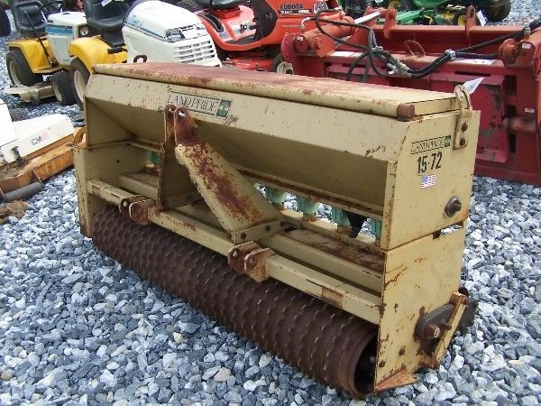 1070: NICE LANDPRIDE 15-72 3PT PACKER SEEDER FOR TRACTO - 7