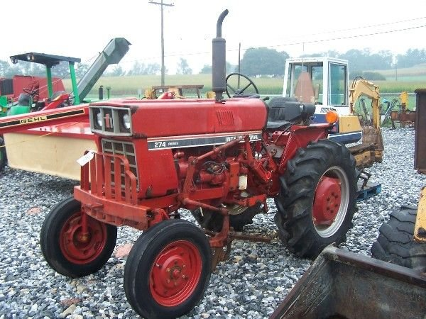 1162: NICE INTERNATIONAL 274 OFFSET TRACTOR W/ CULTIVAT - 2
