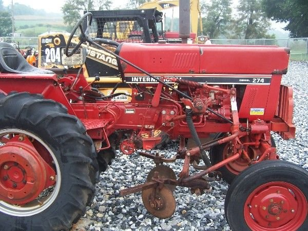 1162: NICE INTERNATIONAL 274 OFFSET TRACTOR W/ CULTIVAT - 4
