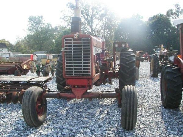 165: International 1026 Hydro Tractor  - 2