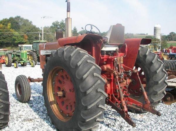 165: International 1026 Hydro Tractor  - 6