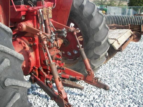 165: International 1026 Hydro Tractor  - 7