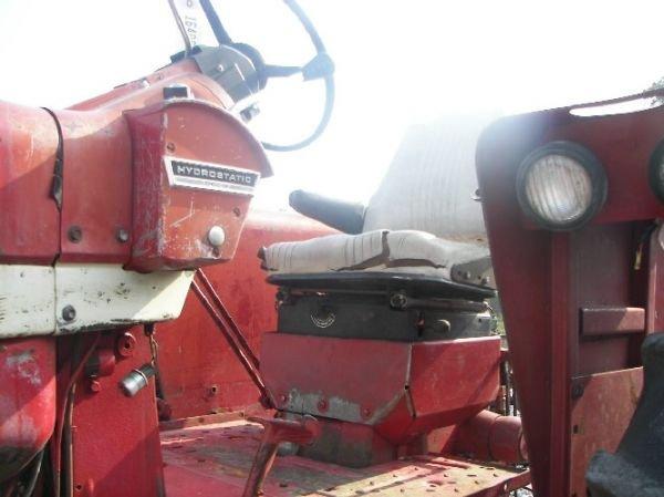 165: International 1026 Hydro Tractor  - 9