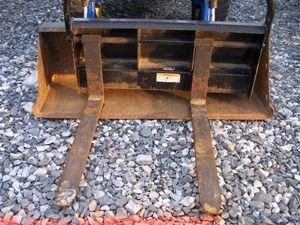 282: Bush hog Quick attach pallet forks for loader trac - 2