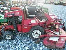 227: TORO 322D LAWN AND GARDEN TRACTOR