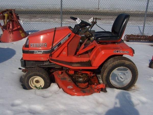 11: Kubota G-1900 L&G Tractor w/ Mower Diesel