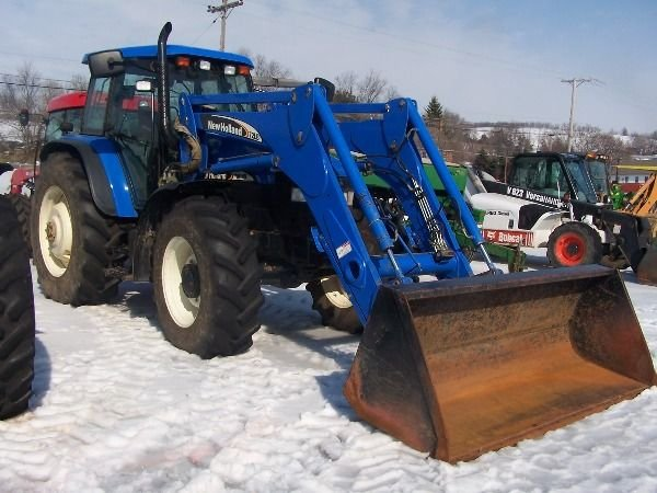 129: New Holland TM 140 Tractor w/ Loader Nice