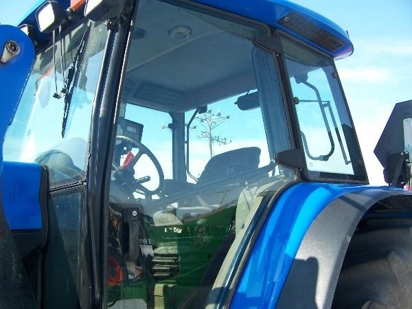 129: New Holland TM 140 Tractor w/ Loader Nice - 3