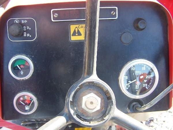 227: Nice Massey Ferguson 283 4x4 Farm Tractor w/ Loade - 9